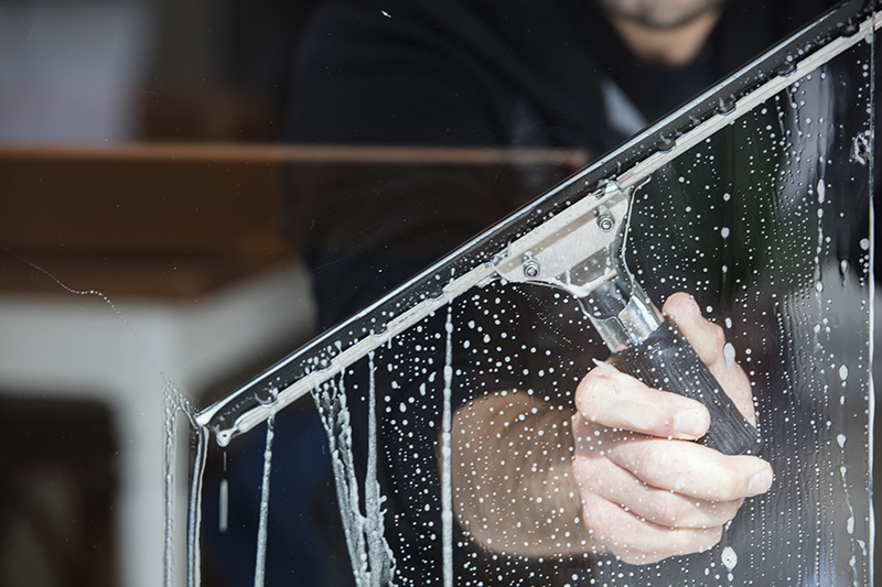 Window Cleaning Services – Why Professional Window Cleaning Services Is Necessary